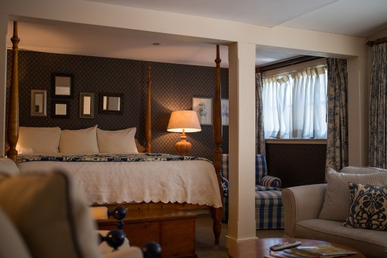 Bedford, NH: Inn- Luxury Suite