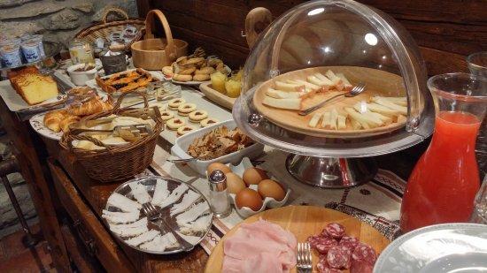 Pollein, Itália: Le ricche colazioni