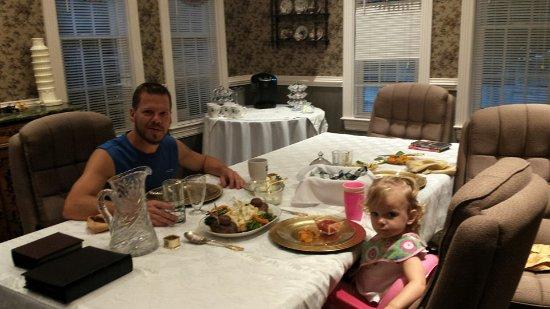 Lake Manor Bed & Breakfast: Dining Room