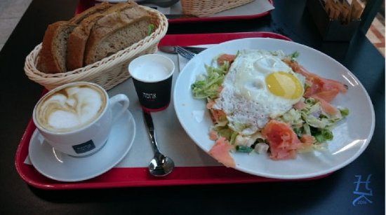 Cafe Aroma: 2016 A year passed. The same excellent coffee and salad