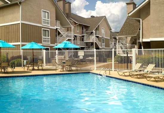 Smyrna, GA: Outdoor Pool