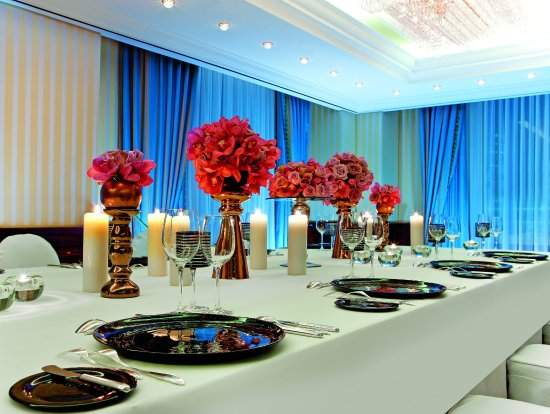 The Ritz-Carlton, Berlin: Conference dinner setup