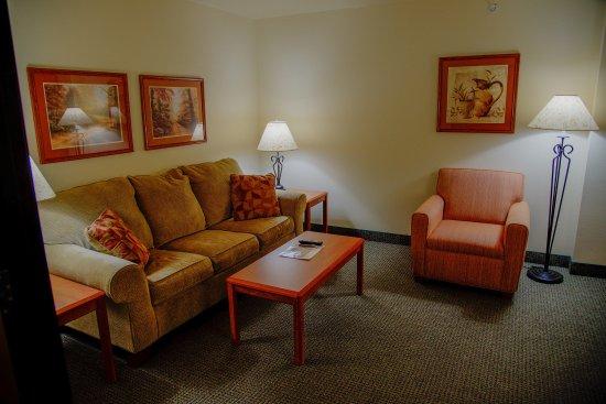 Havre, MT : Two Room Suite