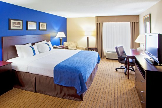 Timonium, MD: King Bed  Work Desk and Free Wi-Fi are great for Business Stays