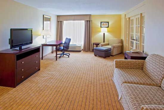 Holiday Inn Timonium Suite