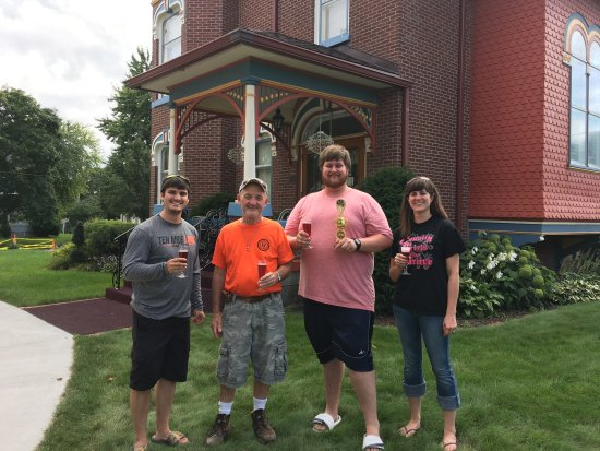 Nevada, IA: Lincoln Highway Days Croquet Tournament finalists and champion.