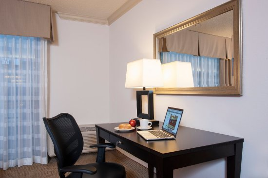 Itasca, IL: Well lighted work area with ergonomic chair and extra outlets