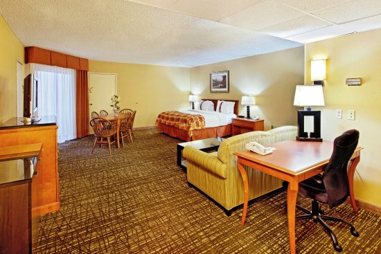 Holiday Inn Missoula Downtown: Suite at the Holiday Inn hotel in downtown Missoula