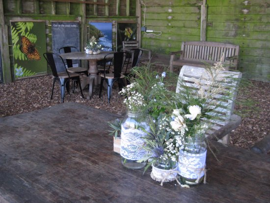 Malborough, UK: Table decoration at the Walkers Hut