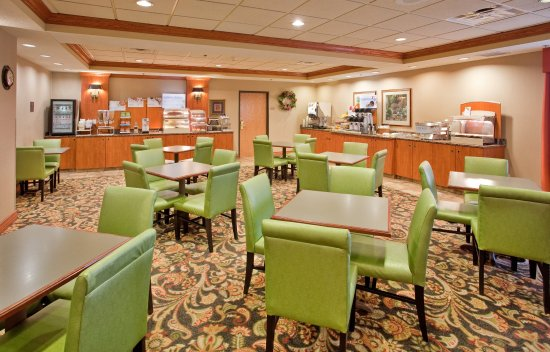 Columbus, NE: Breakfast Bar