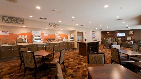 Riverwoods, IL: Breakfast Bar at the Holiday Inn Express near Ravinia Festival