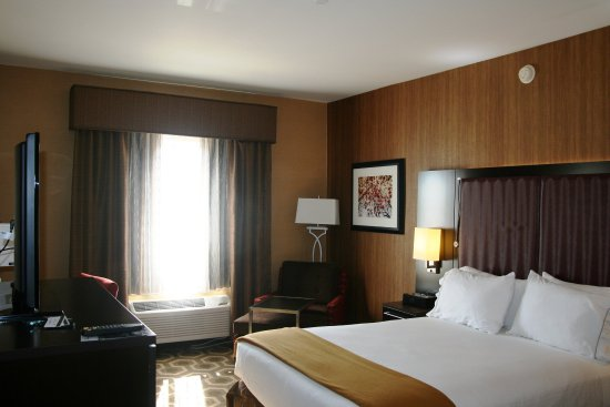 Vineland, NJ: Standard King Room -  Perfect for the business traveler.