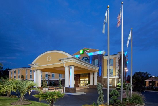 Holiday Inn Express & Suites Exit 19B in Anderson, SC welcomes you