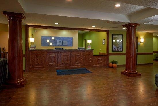 Cadillac, MI: Hotel Lobby