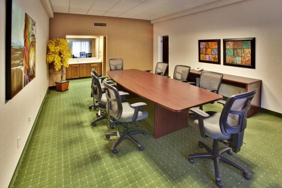 Holiday Inn - Airport Conference Center : Boardroom