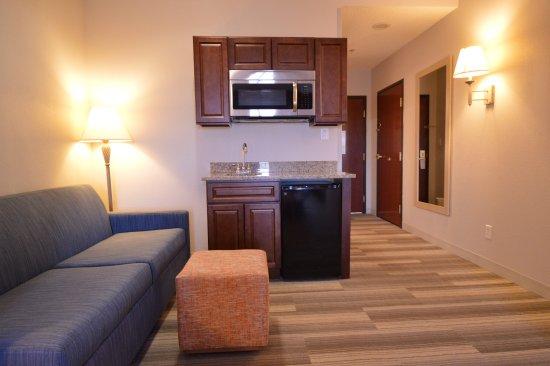 Oregon, OH: King Suite