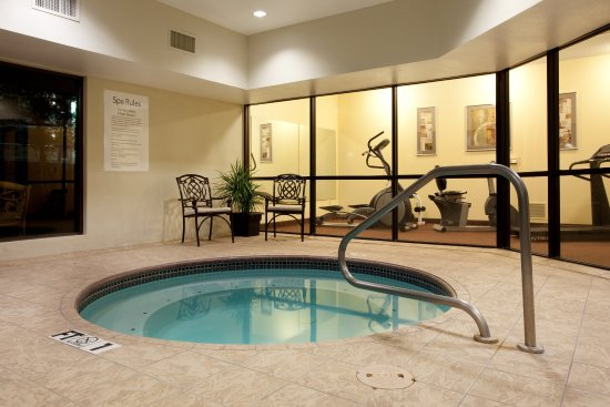 Holiday Inn Express & Suites- Sulphur (Lake Charles): Indoor Whirlpool