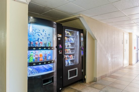 Quality Inn Chicopee-Springfield: Vending
