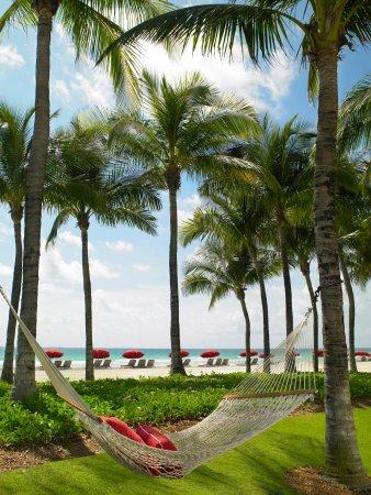 Acqualina Resort & Spa on the Beach : Hammock