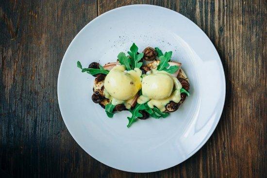 Ruckersville, VA: Eggs Benedict - arugala, mushrooms