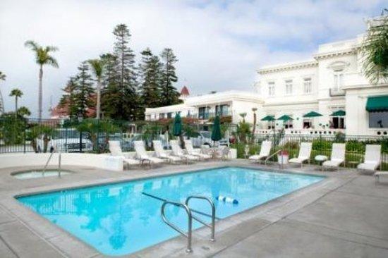 Glorietta Bay Inn: Jump into your vacation!