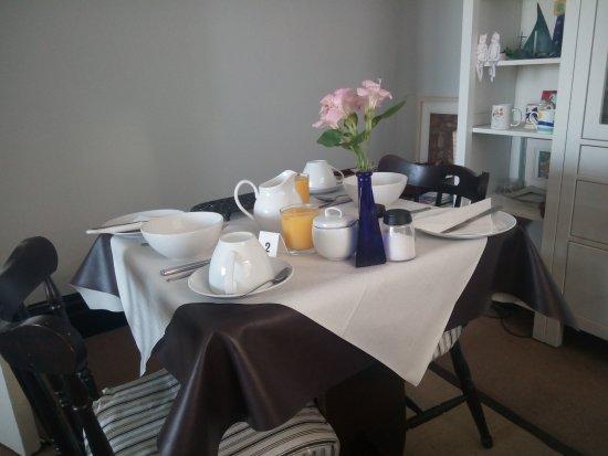Harbour View: Il tavolo pronto per la colazione
