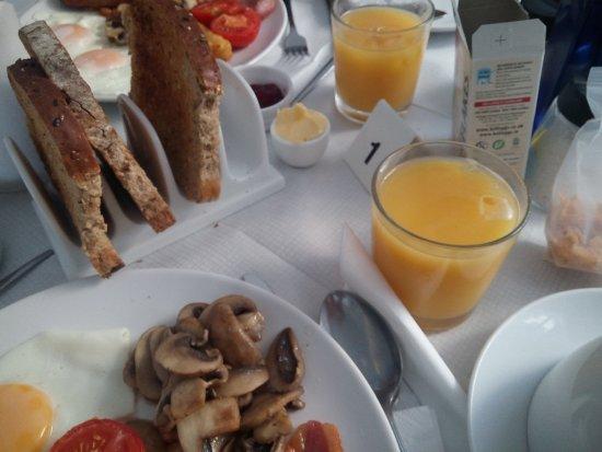 Harbour View: La prima colazione