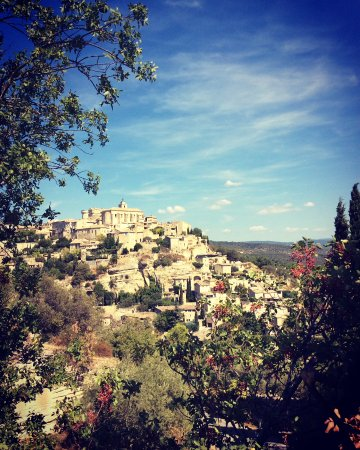 The beautiful hilltop town of Gordes in the Luberon