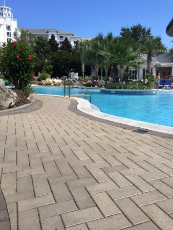 Sandestin Golf and Beach Resort: Pool at the Grand.