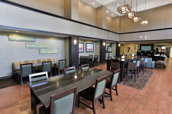 Hampton Inn & Suites Middlebury: Dining Area