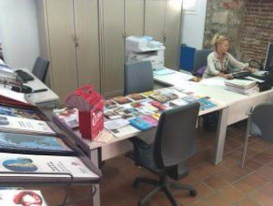 Oficina de turisme arenys de mar spain top tips before for Oficina de turisme