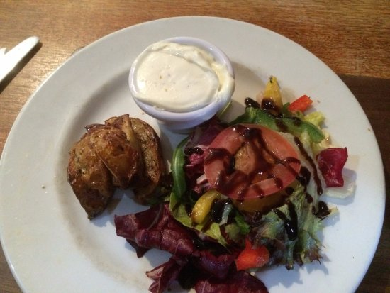 Culloden Moor Inn: Potato Wedges / Garlic Mayo