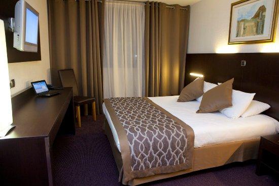 Apogia Paris: Bedroom