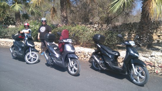 Xewkija, Μάλτα: A great way to see Gozo. And a lot cooler than by car!