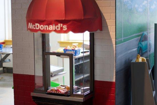 London Children's Museum : Mini McDonald's play house