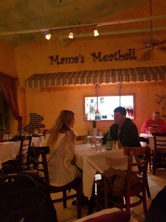 Mama's Meatball: interno