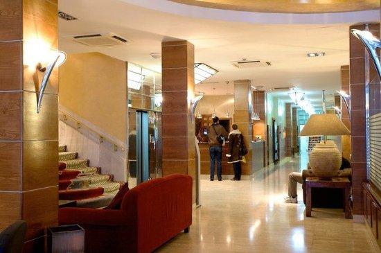 Quelques liens utiles for Hotel regina madrid opiniones