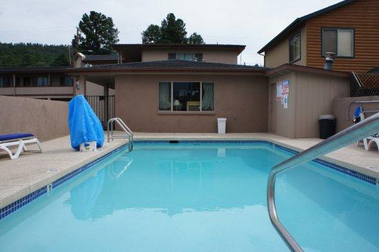 Travelodge Williams Grand Canyon: Petite piscine, une 10aine de mètres de longueur.