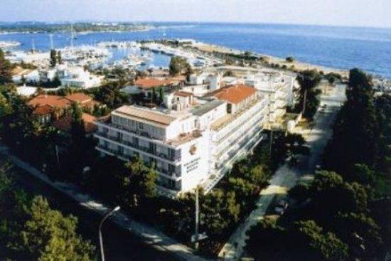 Palmyra Beach Hotel: Exterior