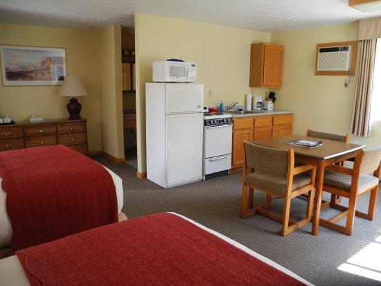 Wilton, ME: Guest Room