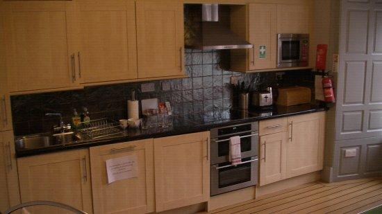 Stay Edinburgh City Apartments - Royal Mile: kitchen