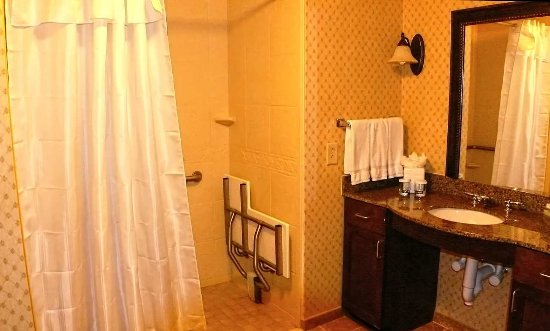 Davidson, Carolina del Norte: Accessible Roll-In-Shower