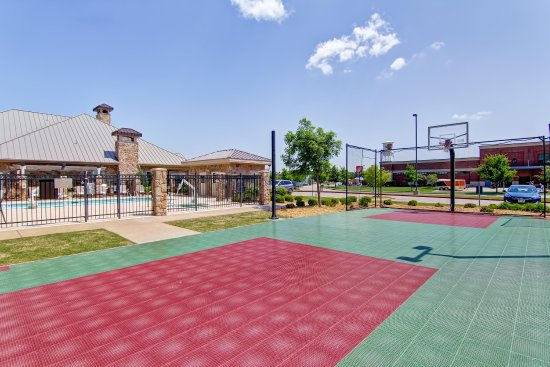 Homewood Suites by Hilton Oklahoma City-West: On-site Basketball Court