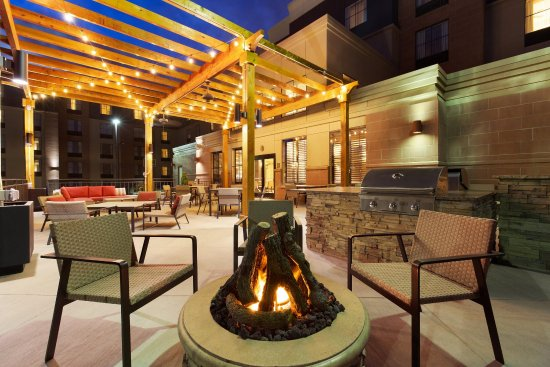 Homewood Suites Denver Tech Center: Patio with Firepit