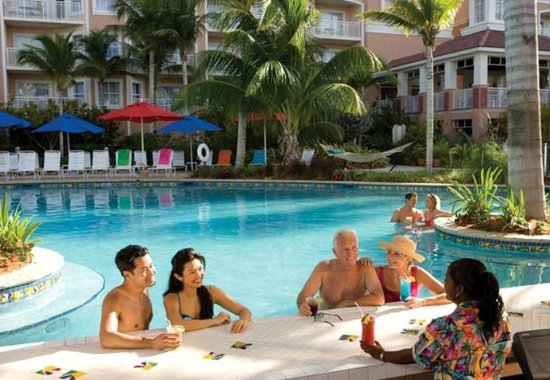 Marriott's Aruba Surf Club: Seaworthy's Pool Bar