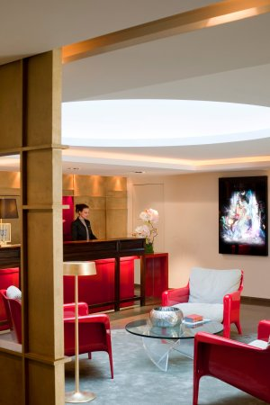 Hotel Beauchamps: Lobby