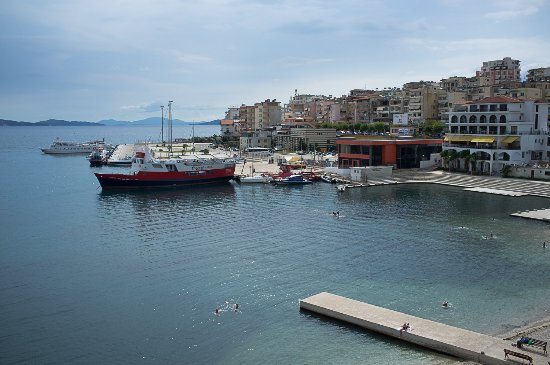 Hotel Royal Saranda: View from room over to the ferry to Corfu