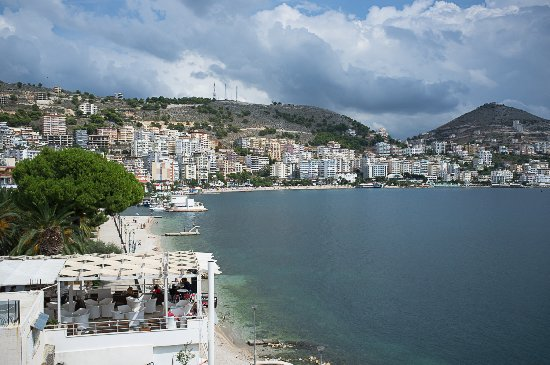 Hotel Royal Saranda: well located on the sea front