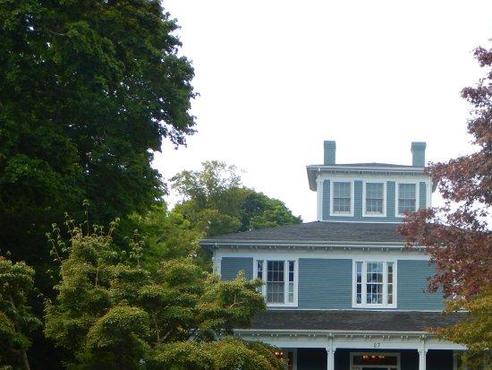 Captain's Manor Inn Resmi