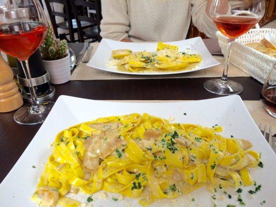Bussigny-pres-Lausanne, Suiza: Un délicieux repas italien comme on en redemande! Des pâtes fraîches (miam) et un super bon dess